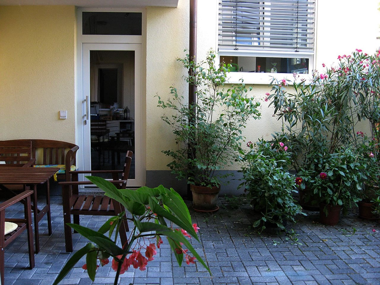 Rundgang Ferienwohnung /Hier ist der Eingang zum Alten Winzerhaus!