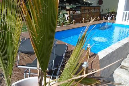 Ferienwohnung mit Pool an der Donau