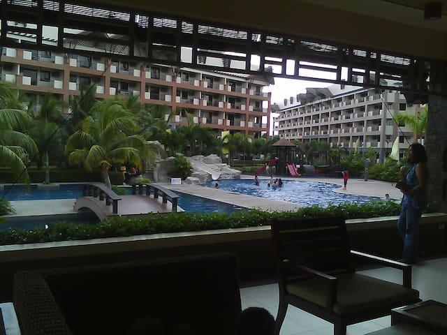 Alabang Area 2 Bedroom Condo - Las Piñas City - Flat