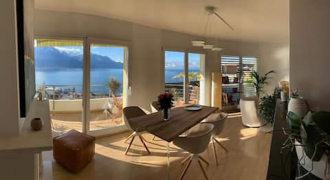 Cozy comfort and Lake Geneva as a panorama.