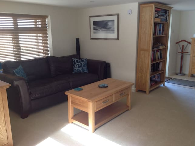 New refurbished self contained flat - Dorset