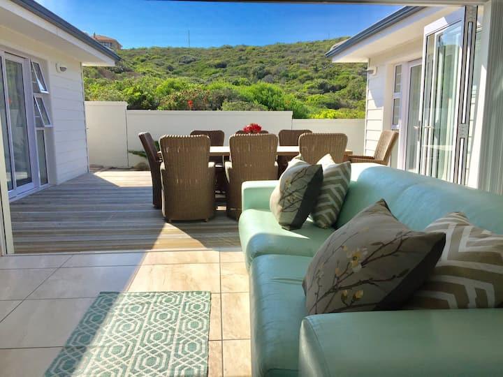Turquoise Breeze Ocean Villa