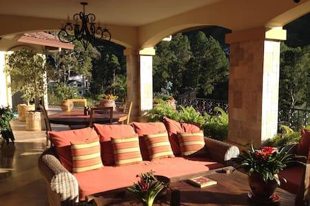 Luxury Estate Home in 5 Star Resort - Boquete