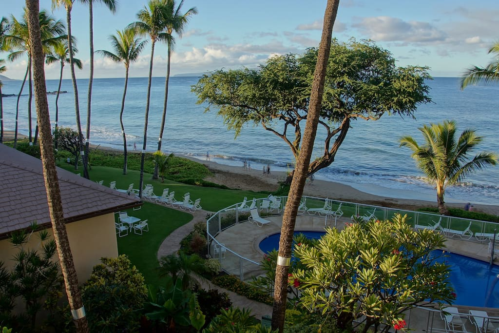 View south from Lanai 407