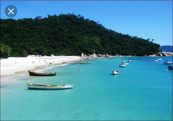 Casa próximo a praia/Ilha do Campeche em Floripa