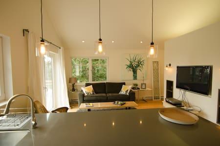 Coast Modern Coach House Retreat