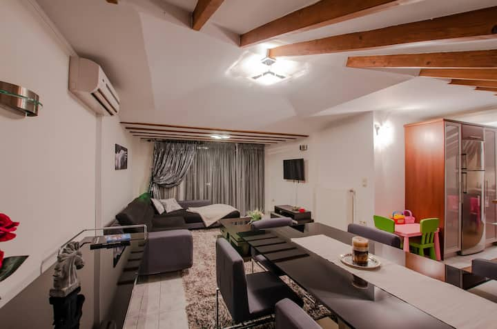 Ioanna's House Άνετη σοφίτα στο Μανιάκοι Καστοριάς