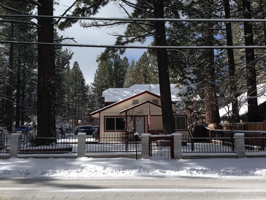 Spacious fenced in corner lot, easy access to/from South Lake Tahoe Blvd.