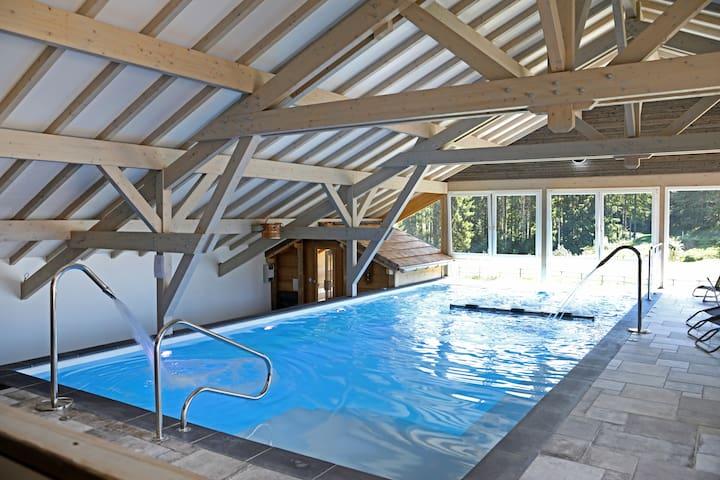 Apt 6 pers en pleine nature avec piscine bien être