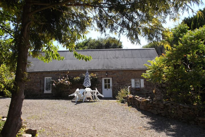 Rural Rustic Country Cottage Nr Mont St Michel - Saint-Broladre
