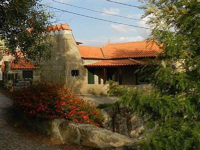 Casa de Campo em S.Lourenço - Douro - Marco de Canaveses