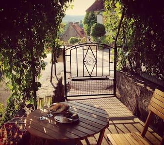 Picturesque French Village Accom - Cénac-et-Saint-Julien - House