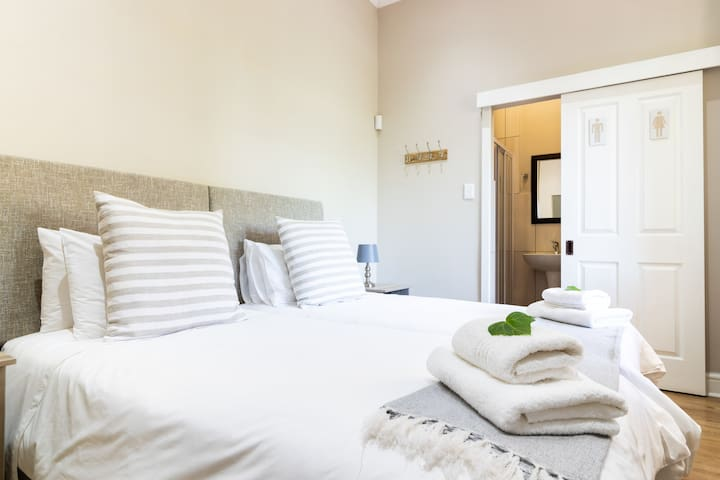 Luxury Twin - Room 4