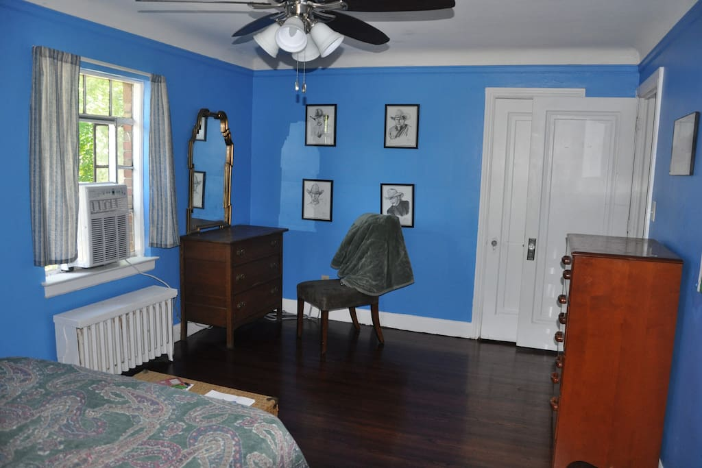 The Blue Room, showing the window air conditioner and furnishings.