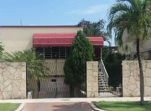 KCYinni Casa en Miramar