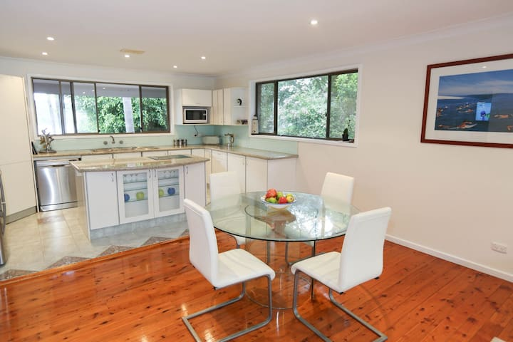 Pittwater Retreat, pool , views - Church Point
