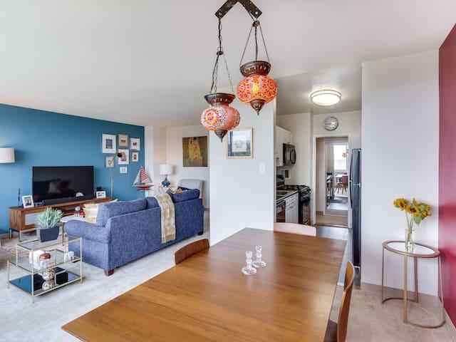 Large 1BR Apt w/ View, Metro Acces - Arlington - Apartment