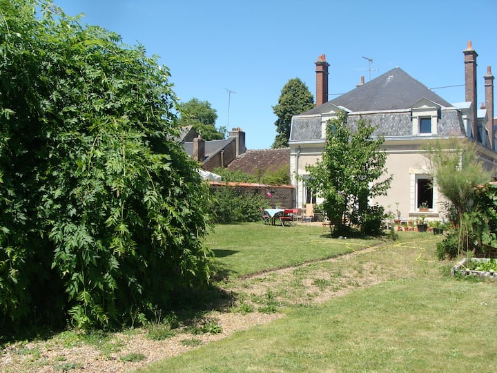 Family home 4kms from Vendome