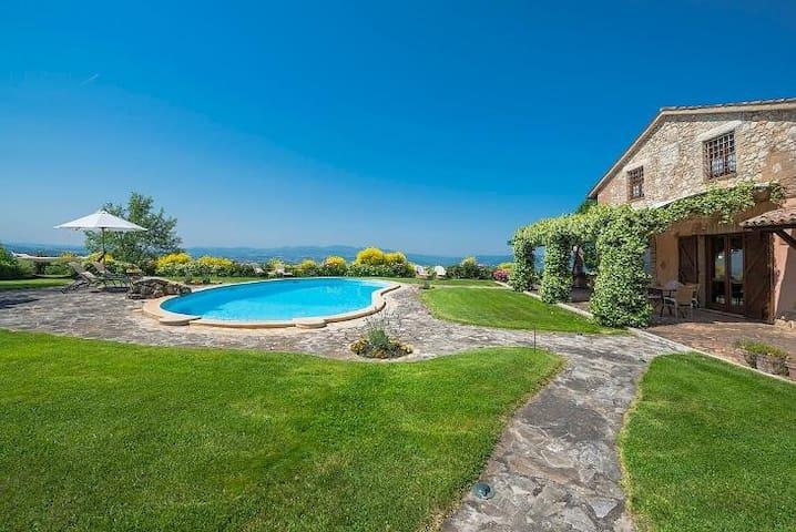 Villa I Grifoni - TODI