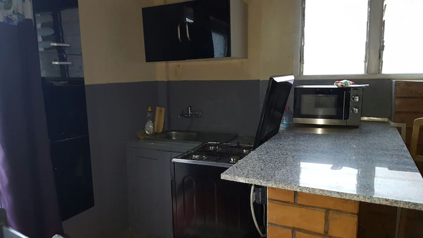 ISORAKA, 1 living /1 chambre, 2è Et - Tananarive, Province d'Antananarivo, MG - Huis