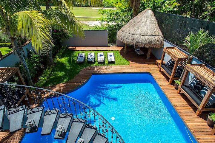5BR Bachelor Villa in Cancun Hotel Zone sleeps 22