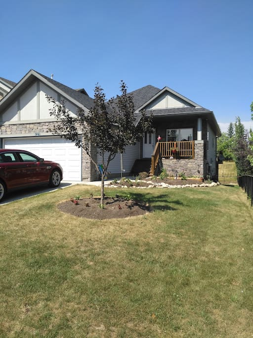 Walk out bungalow backing onto golf course