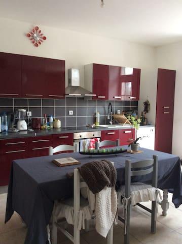 Location maison à la semaine - Saint-Jean-d'Angély - Huis