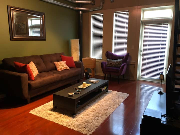 Modern 2-story loft located near Atlantic Station
