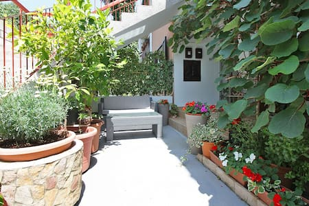 Relax studio for 2 persons, 350m from the beach - Fažana