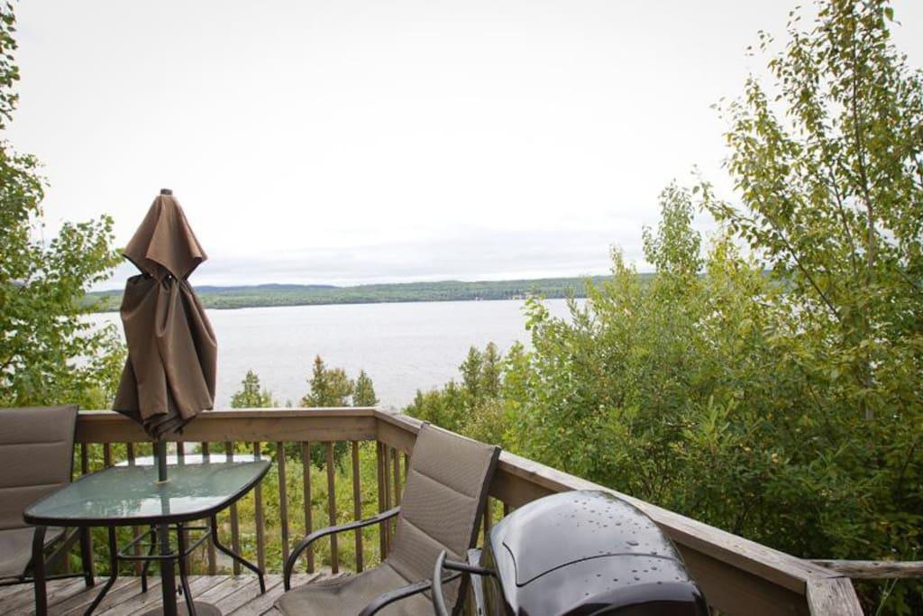 Vue sur le lac depuis votre terrasse