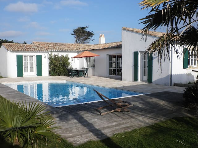 Maison avec piscine sur l'île de Ré
