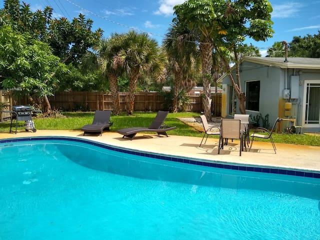 Las Palmas Villa - Fort Lauderdale 2/1 Pool House