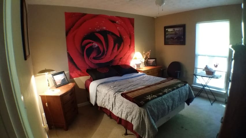 The Rose Room - Full Size Bed - Lawrenceville