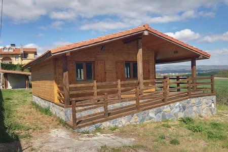 Preciosa casa de madera con impresionantes vistas