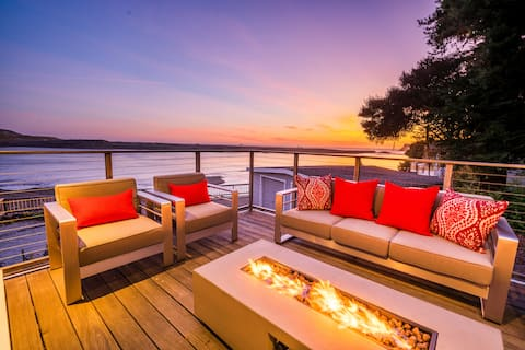 Peaceful and Luxurious Waterfront Sonoma Coast Home