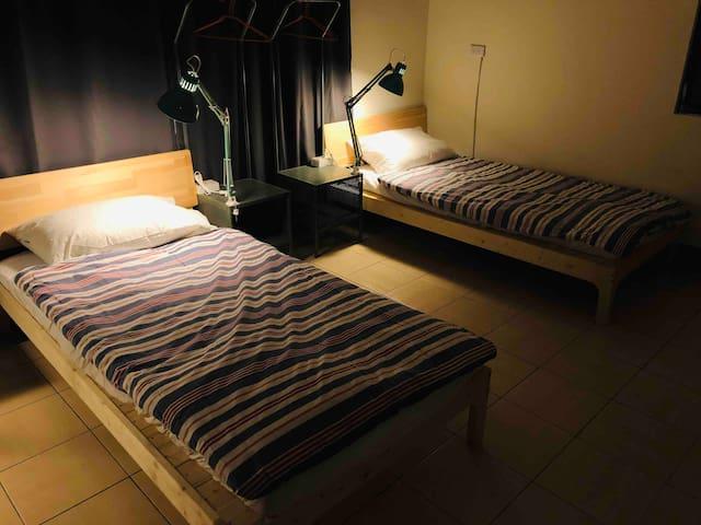 台東市區合住房間,1人單人床,非上下舖(男生3F-2)