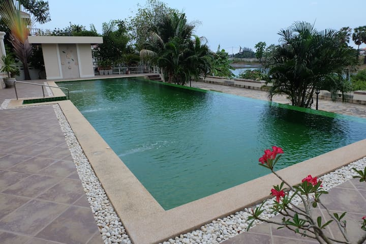 Entire Home with Swimming Pool - Hua Hin - Talo