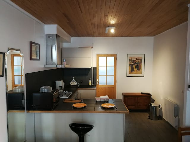 Studio 25 m²  equipped, terrace, ground floor