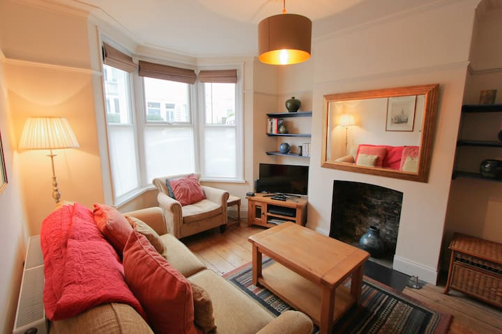 Homely 2-Bed Property, in Bedminster- Hopewell