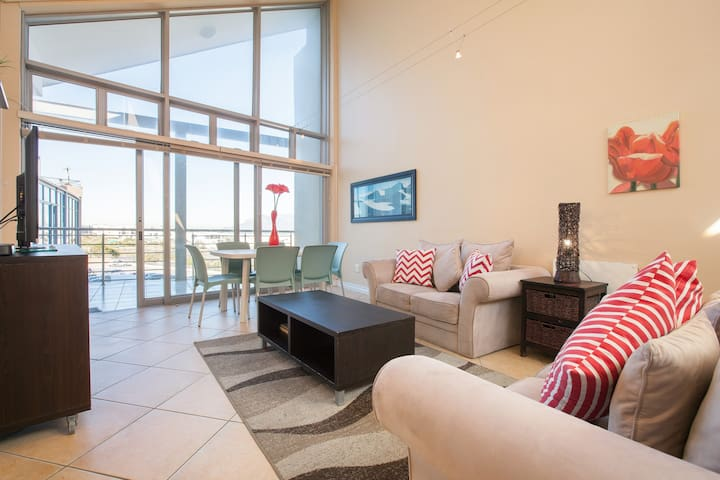 Large Balcony with BBQ & Parking in Big Bay