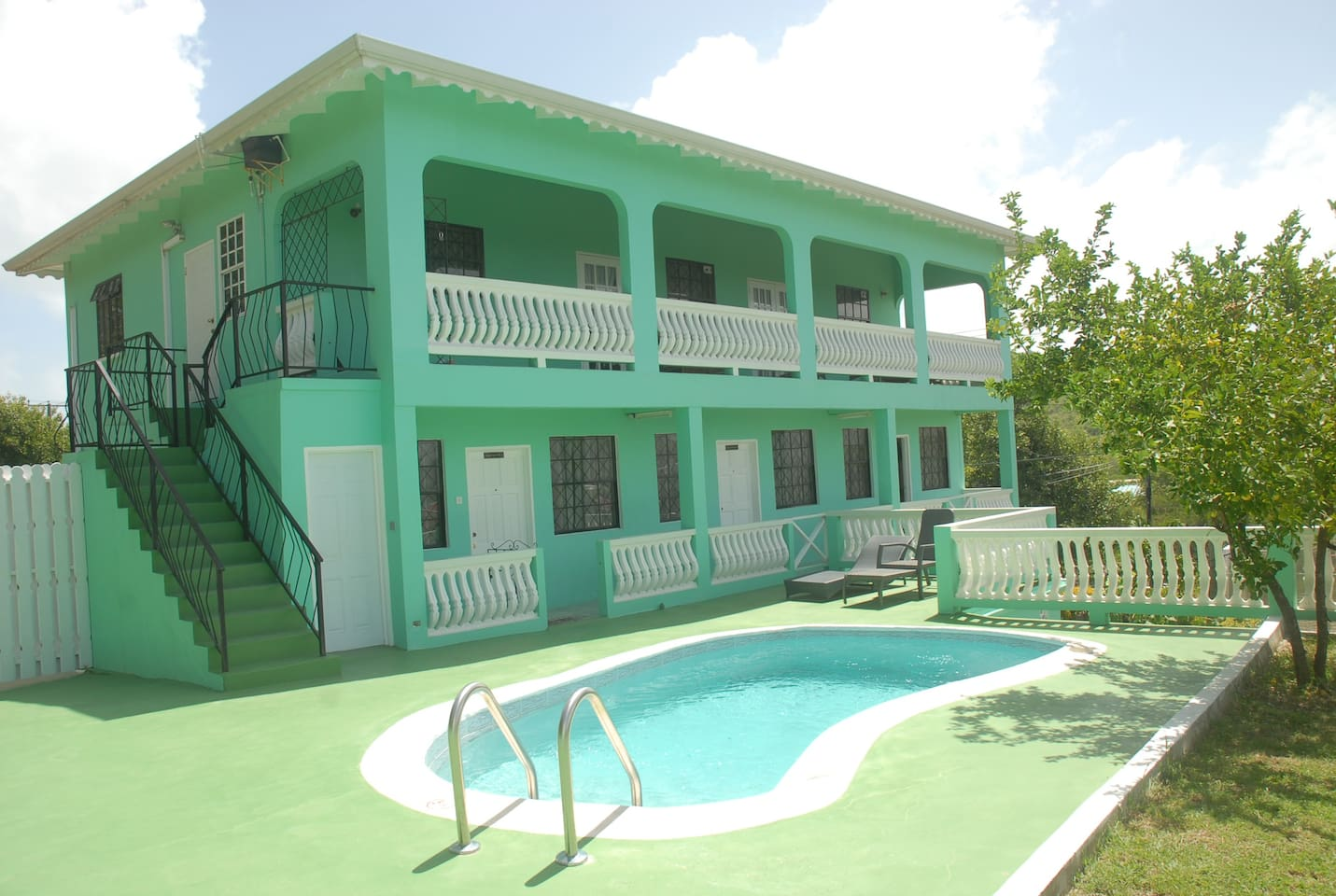 Belle Kaye main building consisting of 3x1 bedroom and 1x3 bedrooms apartments
