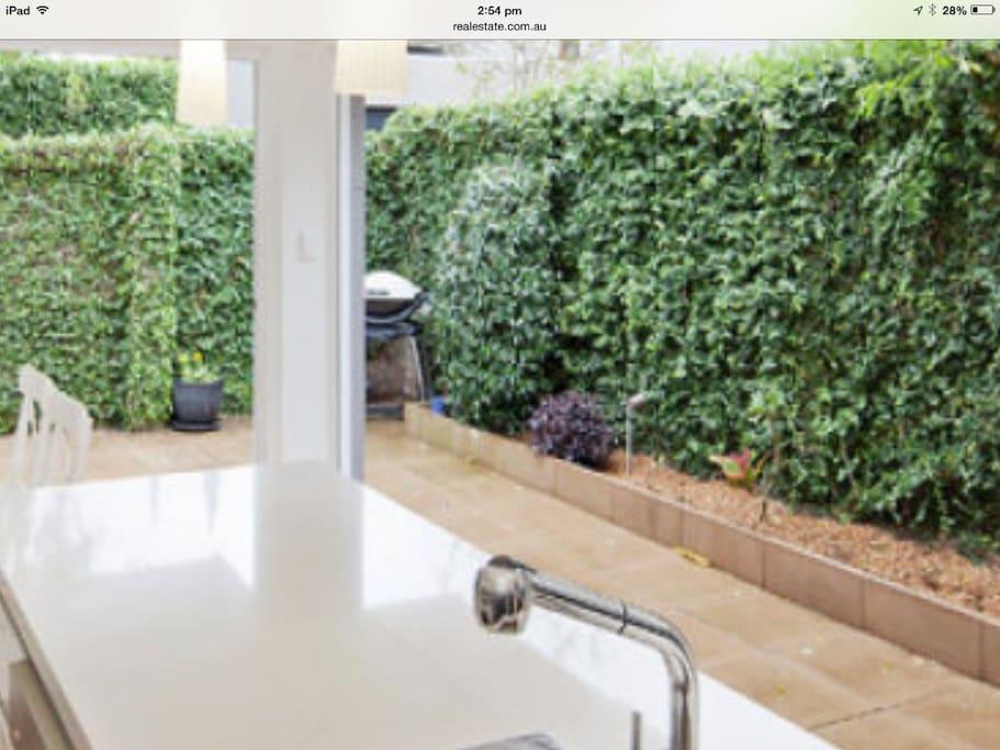 Bi folding doors to outdoor courtyard