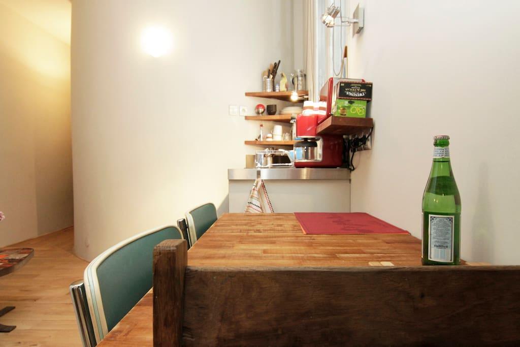 La table vers la cuisine