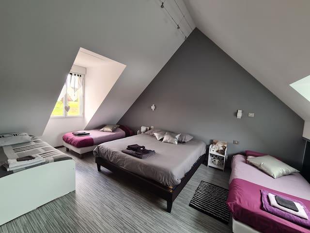 chambre 1(1 lit double, 3 lits simples)