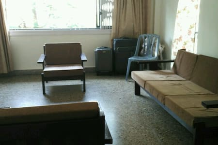 Spacious 2BHK 2mins walk from Thane station - Thane