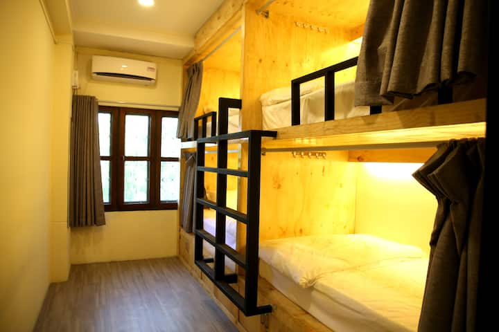Private 4 Capsule Room for 4 Pax