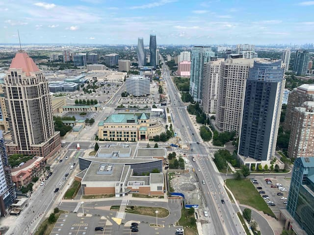 ★★★★★ LUXURIOUS 1 BR CONDO IN ♥ OF MISSISSAUGA