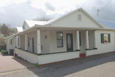 Historic Serafina House in heart of Sutter Creek