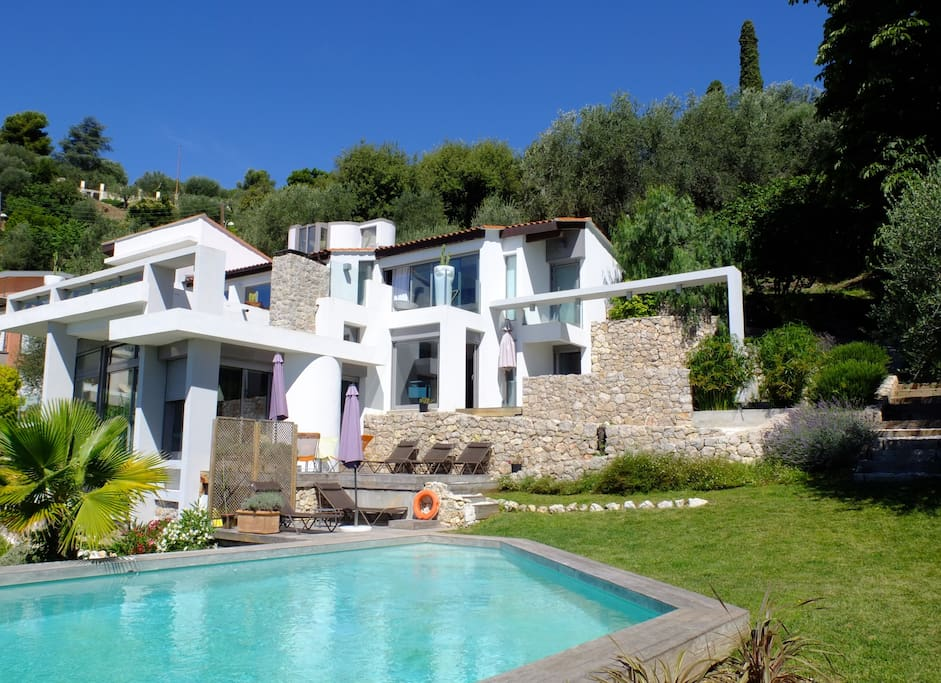 View of the house from the swimming pool