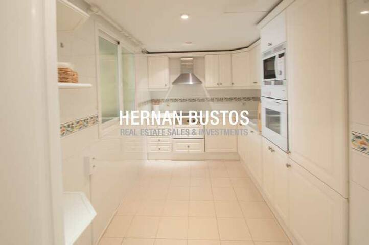 Modern apartment Bahia de Marbella, 4 people